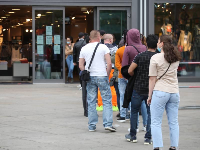 Hde Bis Zu 250 000 Jobs Im Innenstadt Handel Bedroht