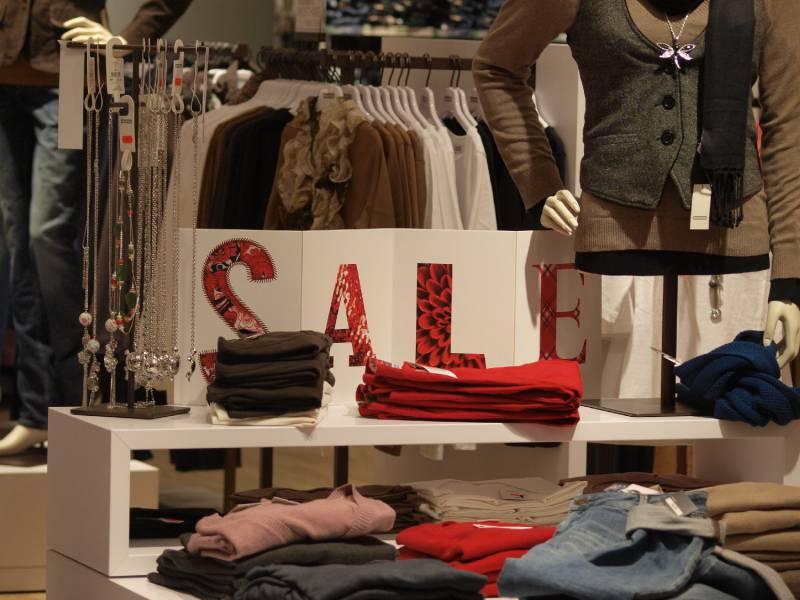 Hde Verbandschef 300 Millionen Unverkaufte Kleidungsstuecke