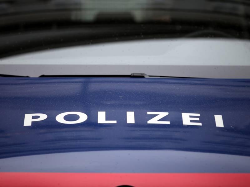 Innenministerkonferenz Chef Nach Waffenfund In Oesterreich Alarmiert