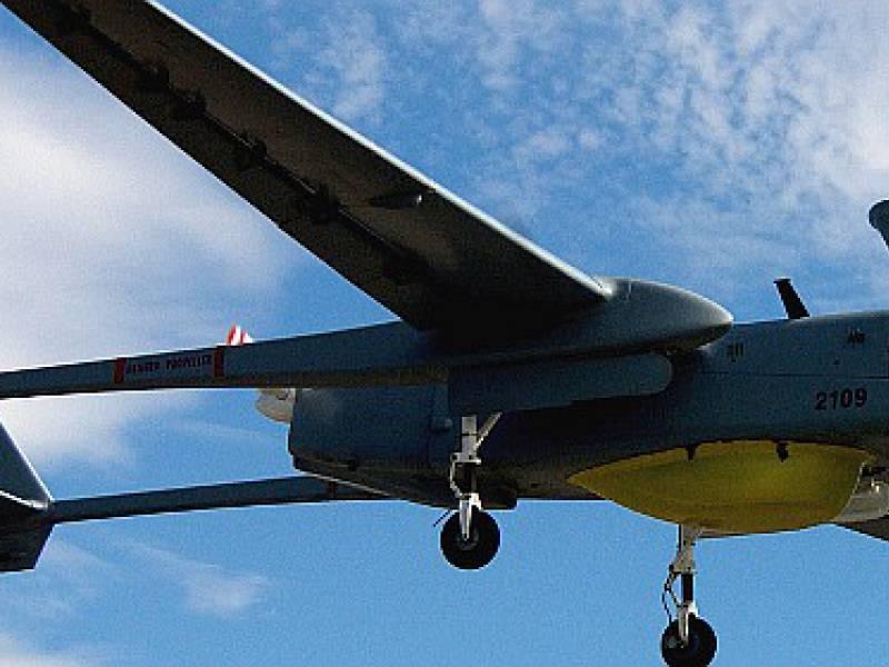 Koalitionsstreit Um Bewaffnete Drohnen Roettgen Attackiert Scholz