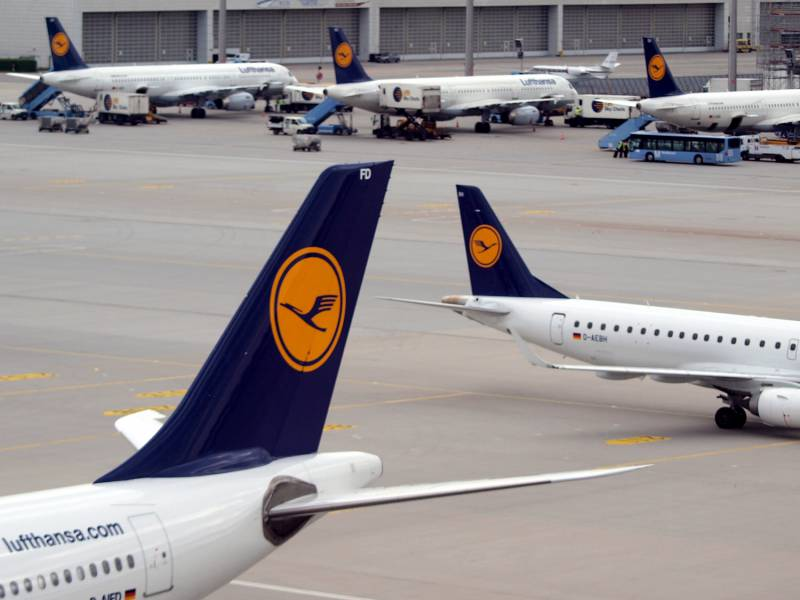 Lufthansa Stockt Mit Staatskredit Pilotengehaelter Auf