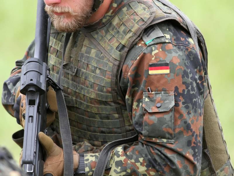 Merkel Lobt Soldaten Als Botschafter Fuer Freiheit Und Demokratie