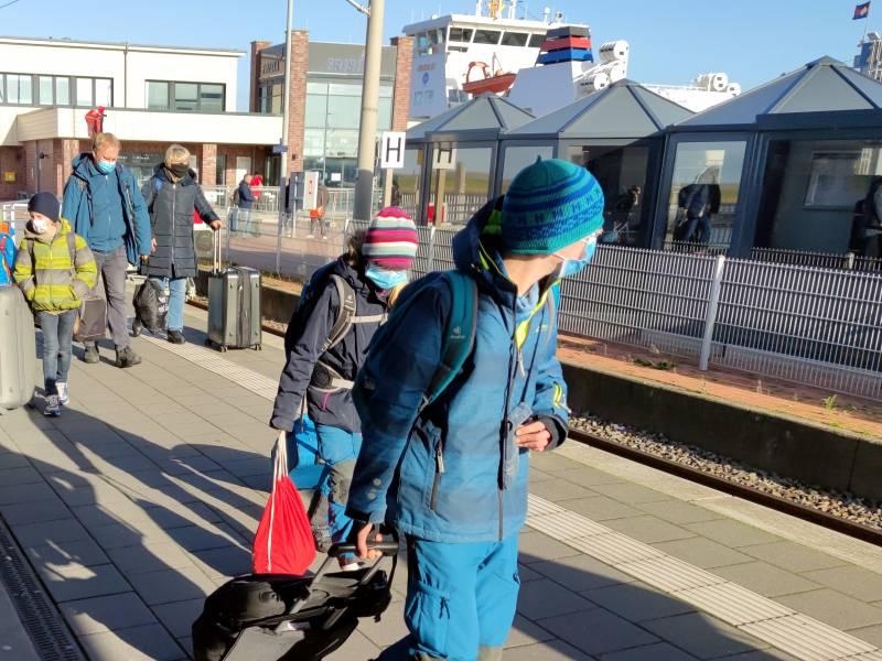 Nrw Gesundheitsminister Warnt Vor Reiseverkehr Zwischen Den Jahren