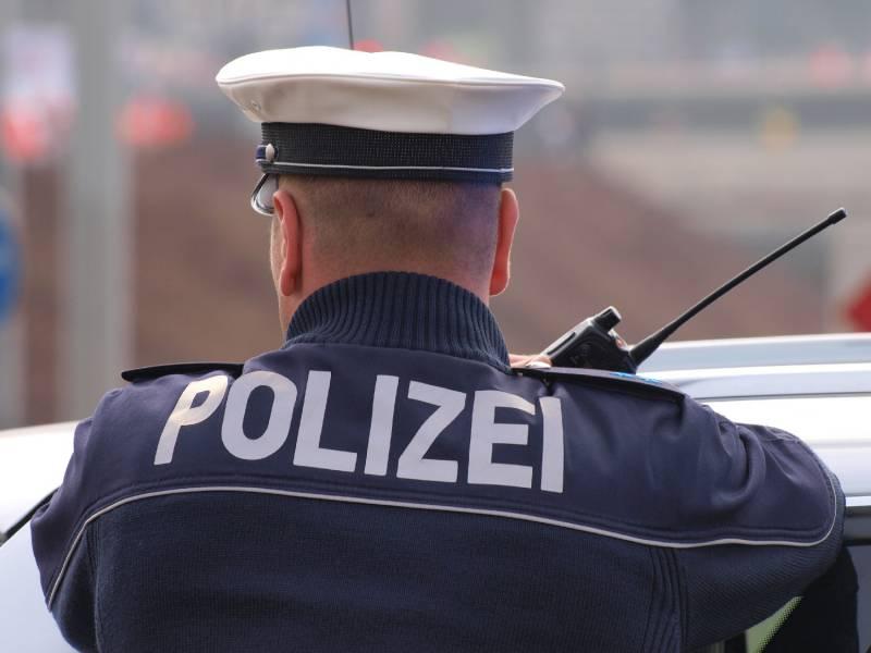 Polizei Sucht Bundesweit Nach 475 Untergetauchten