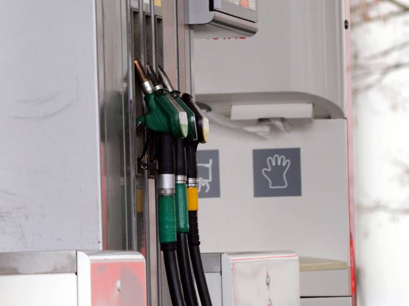 Tankstellenverband Befuerchtet Benzinknappheit 1
