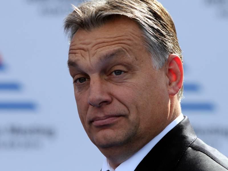 Timmermans Widerspricht Orban Im Streit Um Rechtsstaatsmechanismus