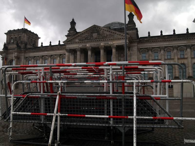 Union Ruft Nach Bannmeile Um Das Reichstagsgebaeude