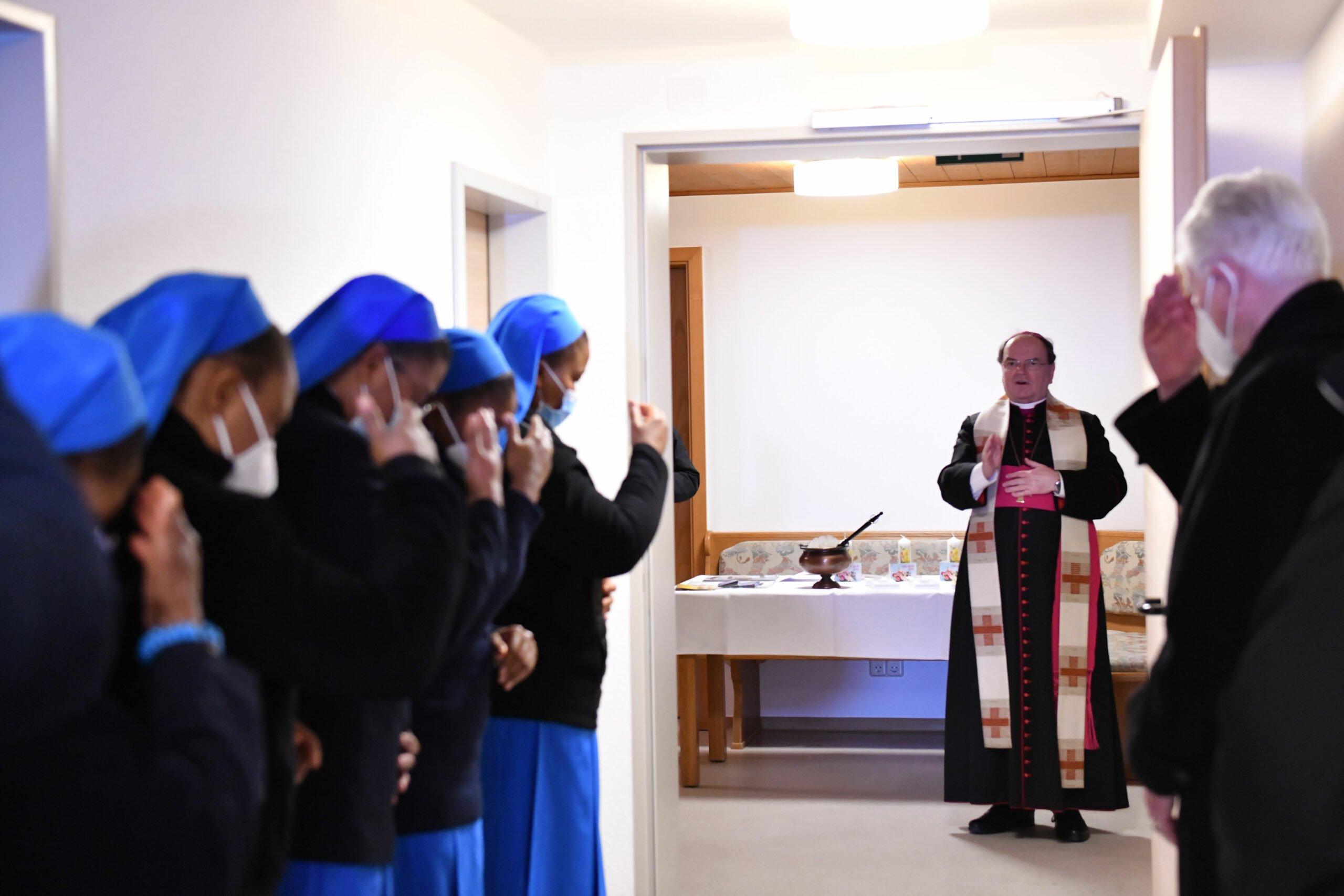 Bischof Bertram Segnet Die Neuen Raeumlichkeiten Des Konvents Foto Julian Schmidt Pba Scaled