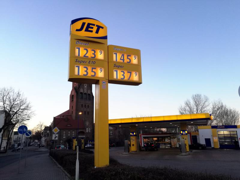 Benzin Und Diesel Im Durchschnitt Sieben Cent Teurer