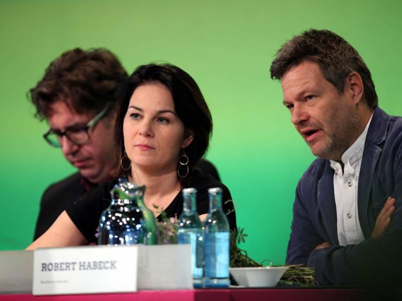 Gruenen Geschaeftsfuehrer Geben Kanzlerkandidatur Nach Ostern Bekannt