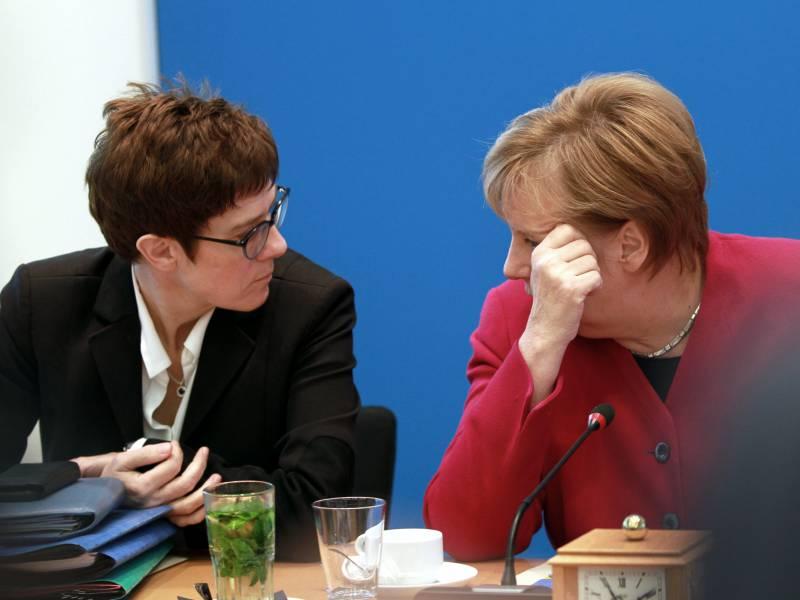 Kramp Karrenbauer Gab 2019 Cdu Debatte Ueber Amtsverzicht Merkels