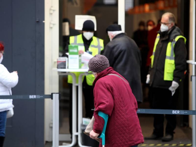 Spahn Verteidigt Europaeischen Weg Bei Impfstoffbeschaffung