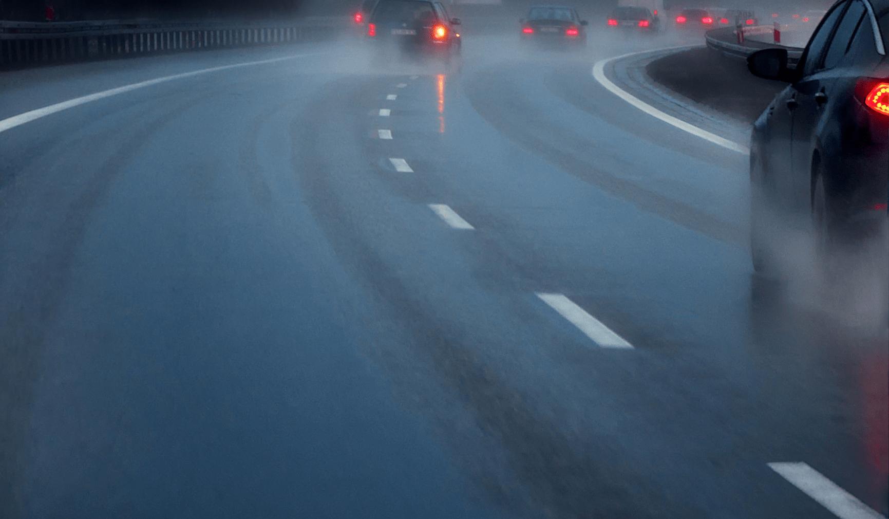 Unfall Stau Regen Schnee Strasse