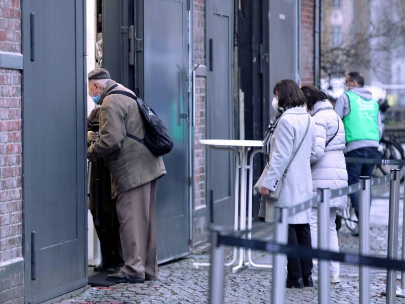 Zahl Der Impfungen In Deutschland Steigt Auf Ueber 475 000