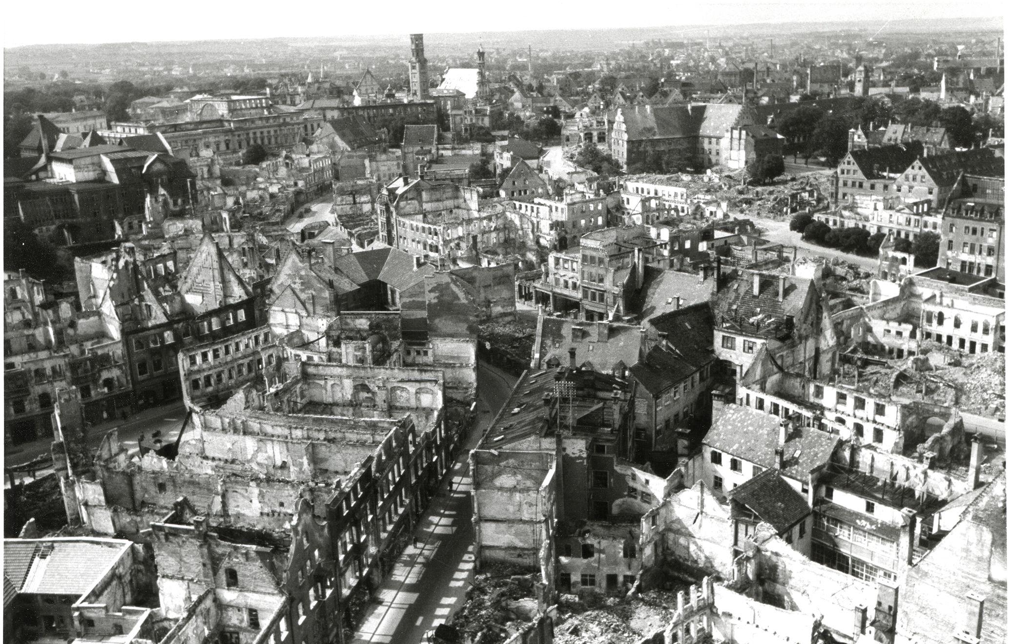 21 02 22 1946 Vom Peachturm 4 Kompr