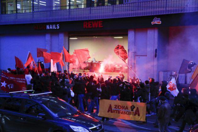 Demo Hanau 75.Jpg