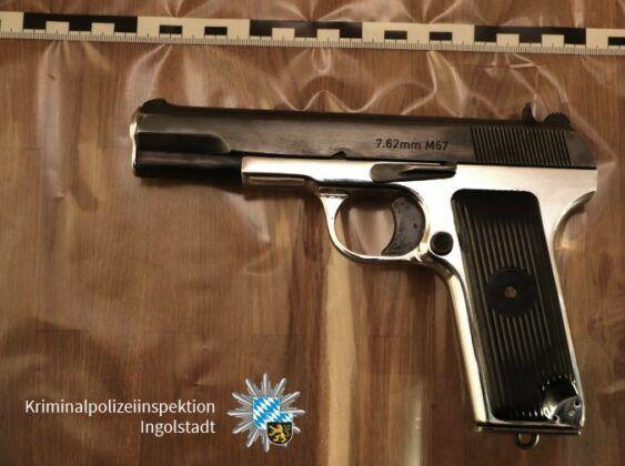 210304 Waffe