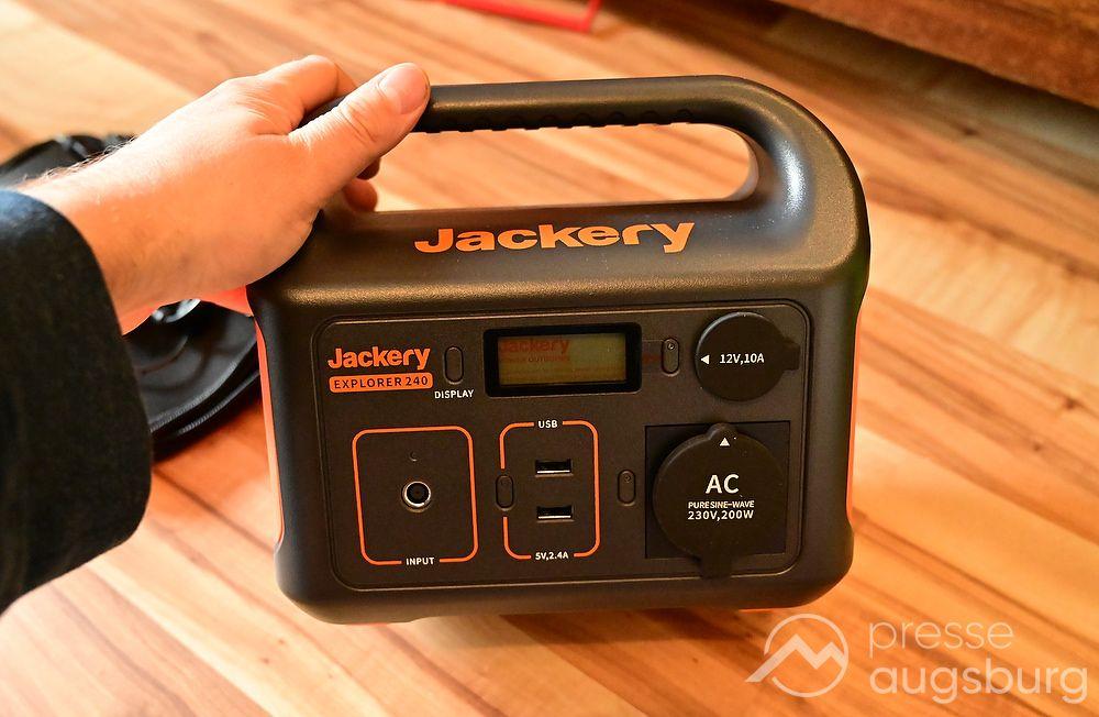 Jackery 003