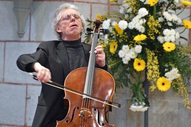 Woche Der Bruederlichkeit Professor Julius Berger Am Cello Foto Nicolas Schnall Pba