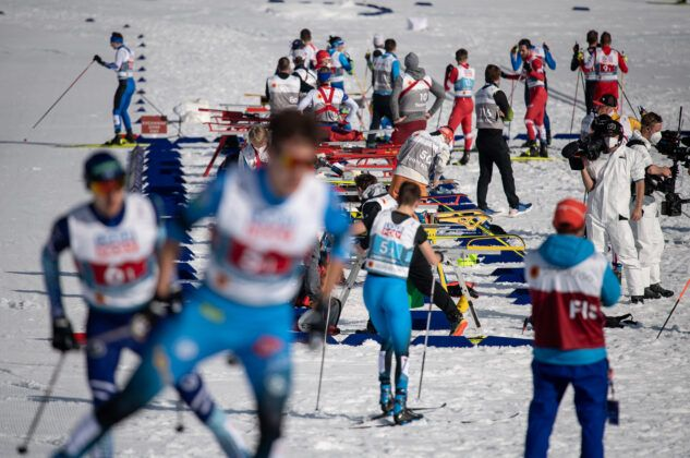 Athletes Compete During The Cross Country Men Nordic Combined Team Sprint Lh2X75Km