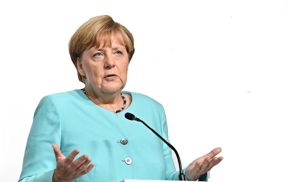 Merkel 2537927 1920