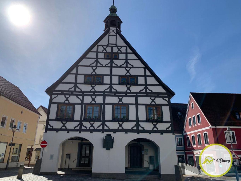 Krumbach Rathaus Landkreis Guenzburg1