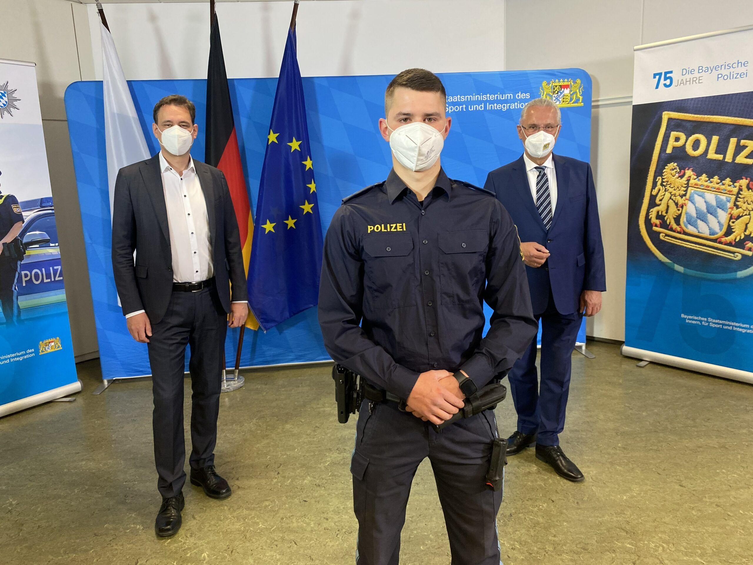 068 Lagebild Gewalt Gegen Polizeibeamte Stm Georg Eisenreich Polizeimeister Marc Hoffmann Stm Joachim Herrmann V.li1 Scaled