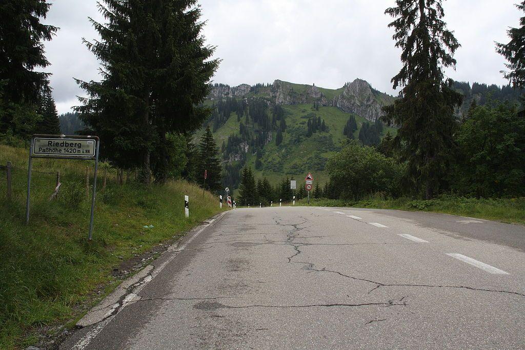 1024Px Riedbergpass Passhoehe Beslergruppe