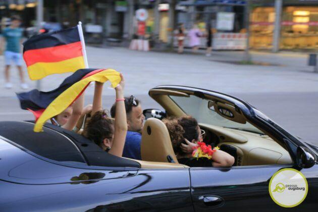 Deutschland Fussball Augsburg Fans42