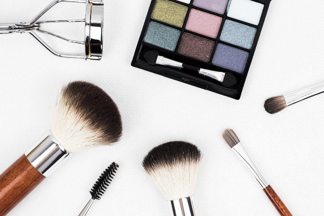 Makeup Brushes 1761648 1280