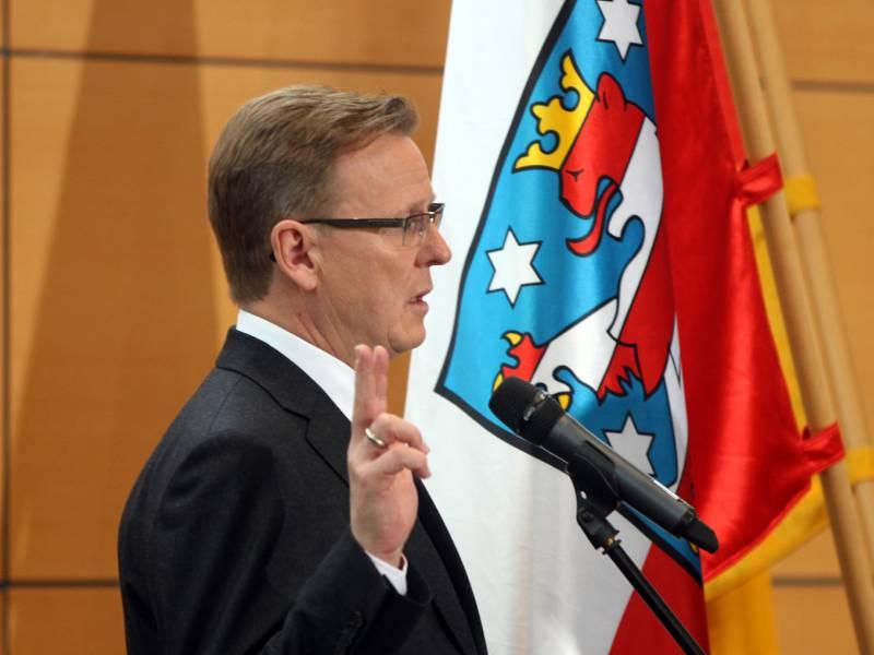 Bartsch Ramelow Bleibt Nun Bis 2024 Ministerpraesident