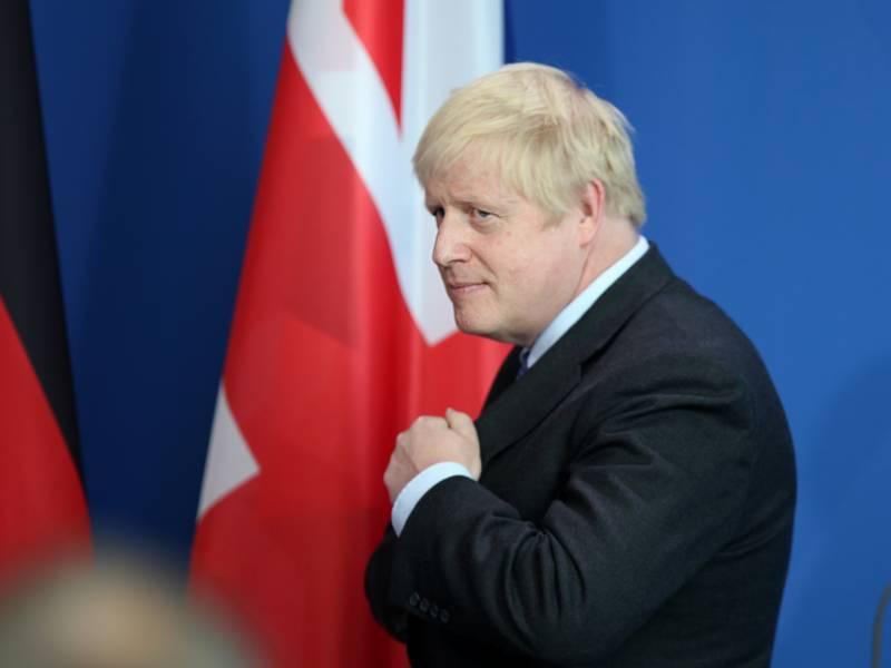 Britischer Premierminister Geht In Quarantaene