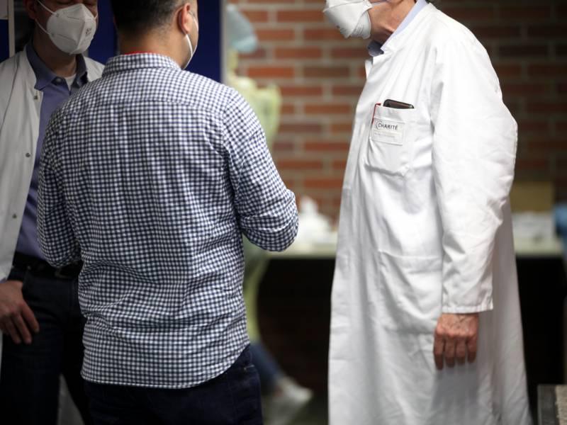 Mediziner Rechnen Mit Weniger Intensiv Patienten In Vierter Welle