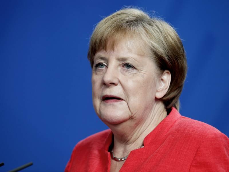 Merkel In Katastrophenregion Eingetroffen