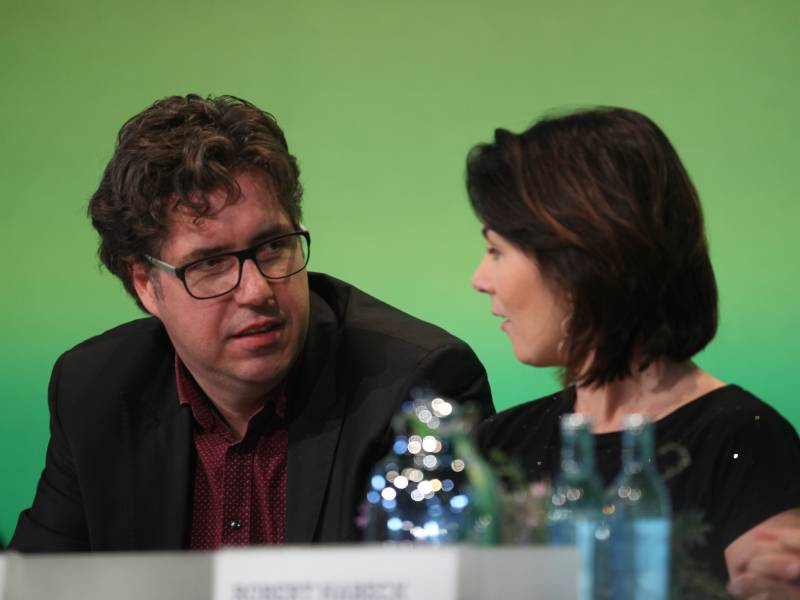 Politbarometer Gruene Verlieren Weiter Union Bei 30 Prozent