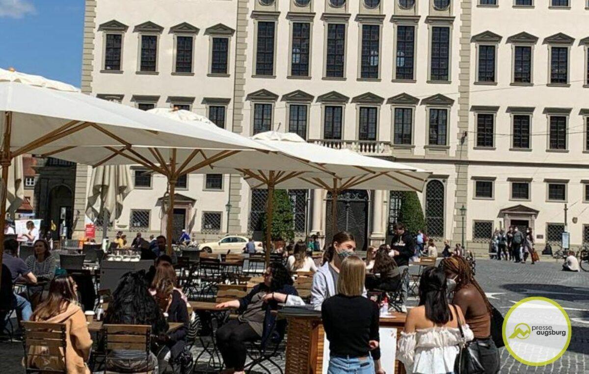 Rathausplatz Gastro Augsburg 1