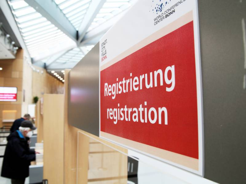 Spd Chefin Fuer Testpflicht Bei Rueckkehrern Und Gegen Impf Praemien