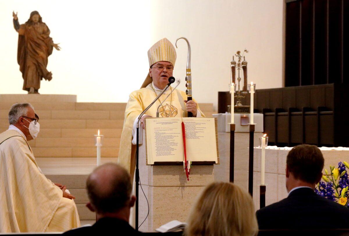 Bischof Bertram Feiert 500 Jahre Fuggerstiftungen In Der Augsburger Moritzkirche Foto Annette Zoepf Pba