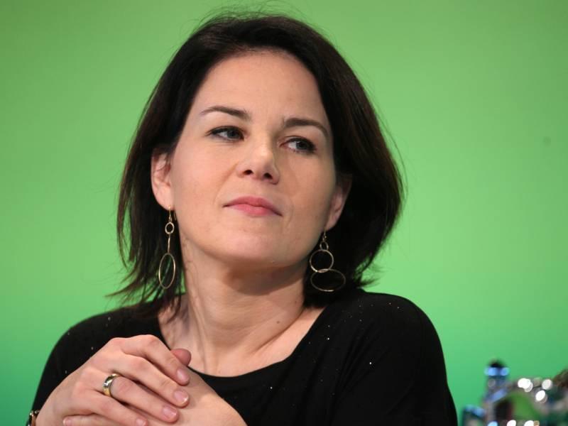 Baerbock Wirft Konkurrenten Unkonstruktive Kritik An Gruenen Vor