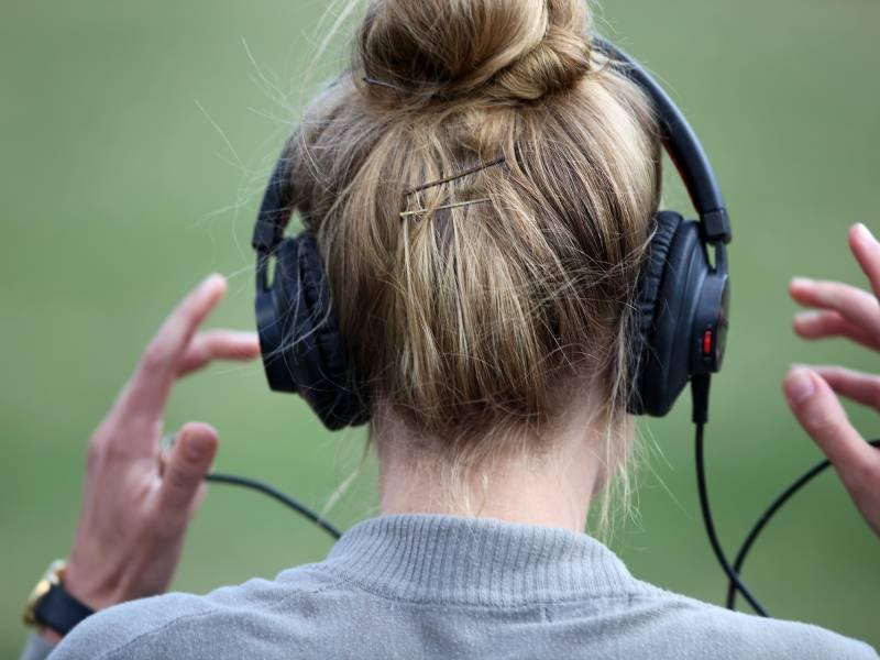 Billie Eilish Neue Spitzenreiterin Der Album Charts
