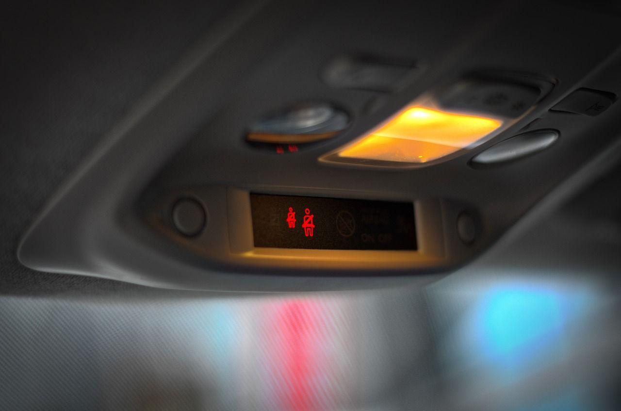 Cockpit 3725431 1280