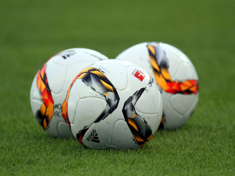 Dfb Pokal Magdeburg Scheitert Bei Spektakel An St Pauli