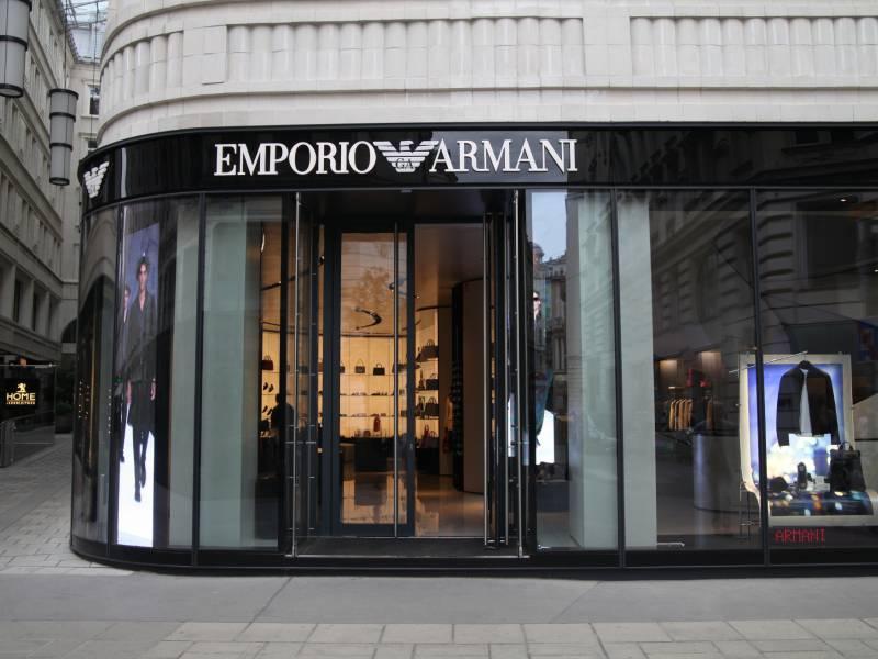 Giorgio Armani Mag Mode Stil Von Angela Merkel
