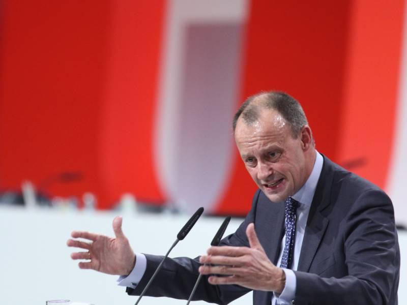 Gruene Und Merz Streiten Um Gefordertes Einwanderungsministerium