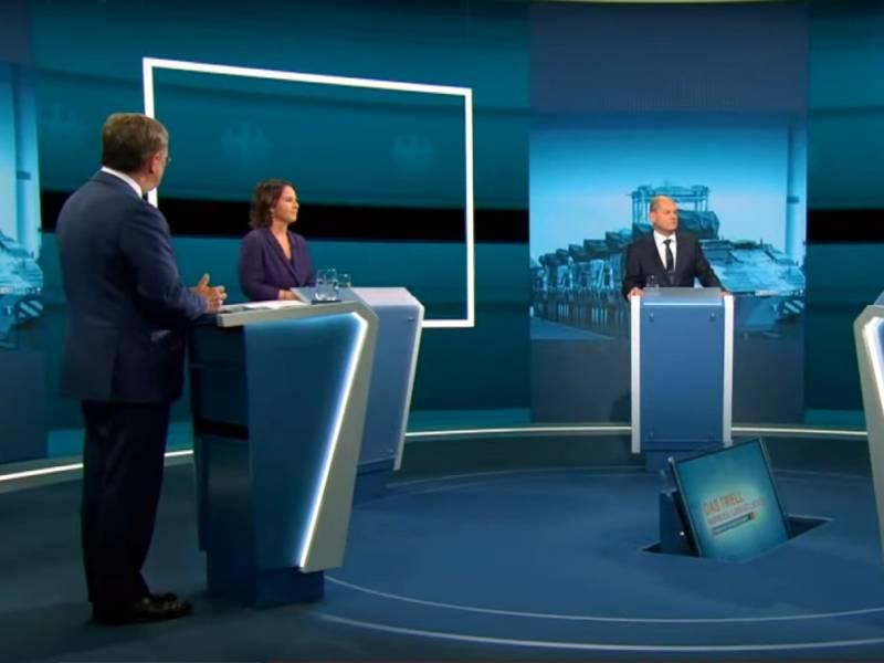 Laschet Scholz Und Baerbock Liefern Sich Erstes Grosses Tv Triell