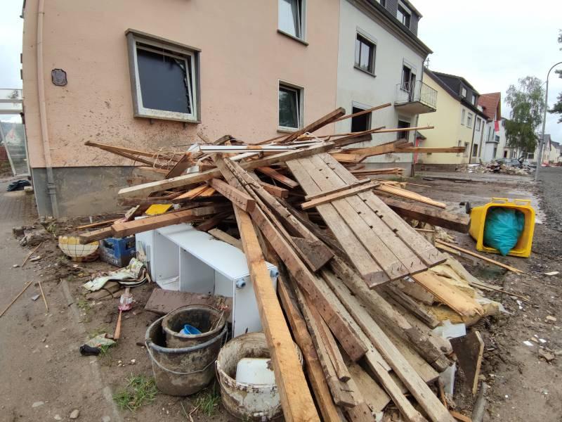 Nrw Spd Fordert Wegen Hochwasser Verbindungsdaten Aller Minister