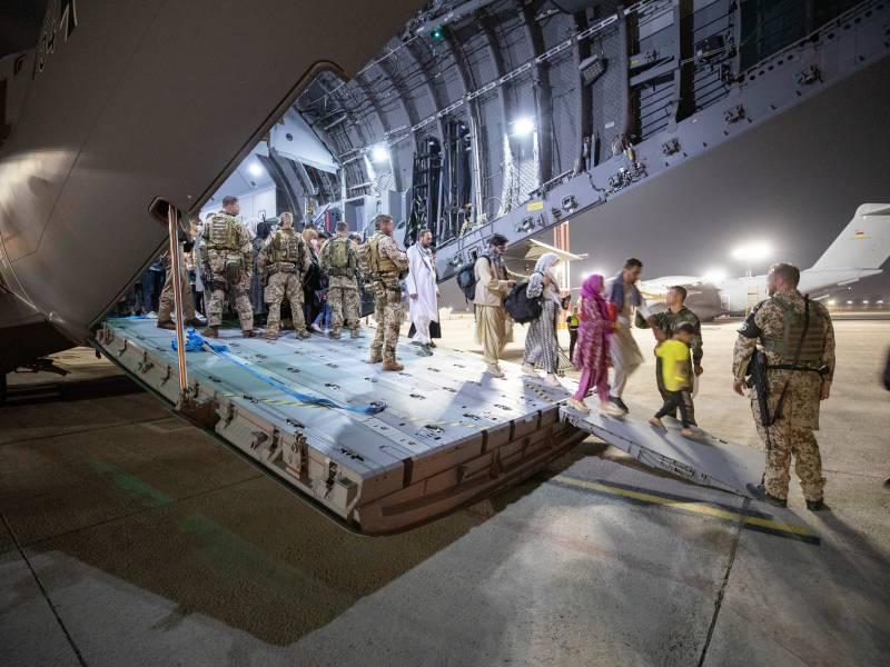Ueber 3 650 Menschen Von Bundeswehr Aus Kabul Evakuiert