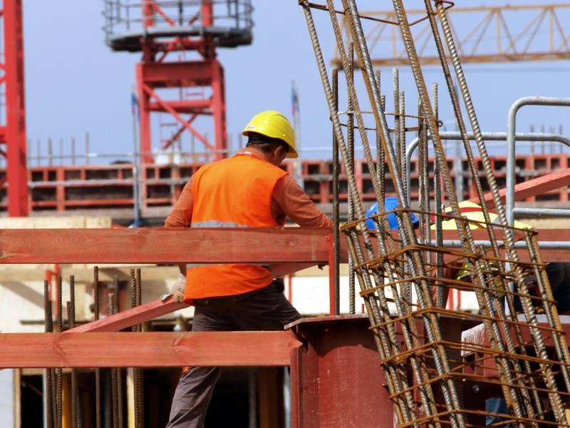 Umfrage Unternehmen Sehen In Baurecht Groesste Buerokratiehuerde