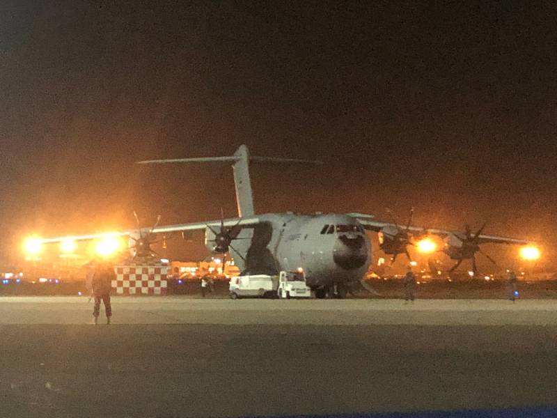 Vermutlich Dutzende Tote Bei Anschlaegen In Kabul Bundeswehr Hilft