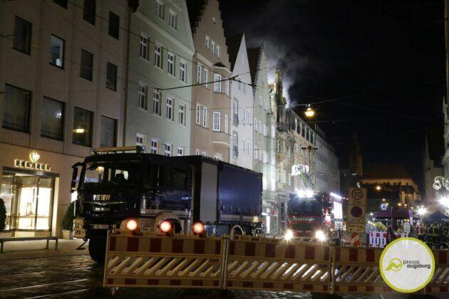 Dachstuhlbrand Karolinenstr 50.Jpg